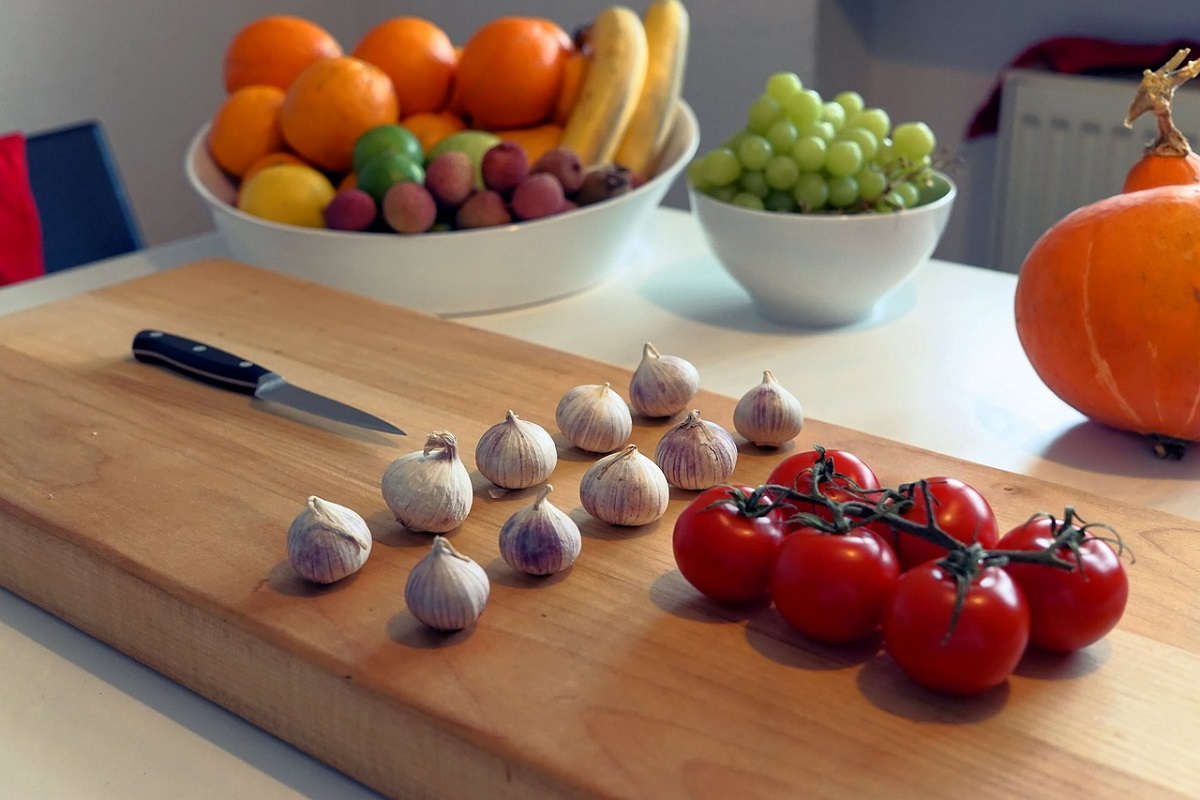 Ways to Clean a Cutting Board After Cutting Raw Meat